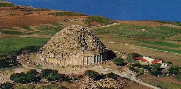 أهرامات الجزائر.. لغز قديم تتوارثه الأجيال