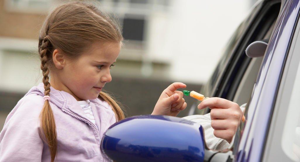 3 أسباب تدفع الأبوين لتحديد كلمة سر عائلية مع الطفل