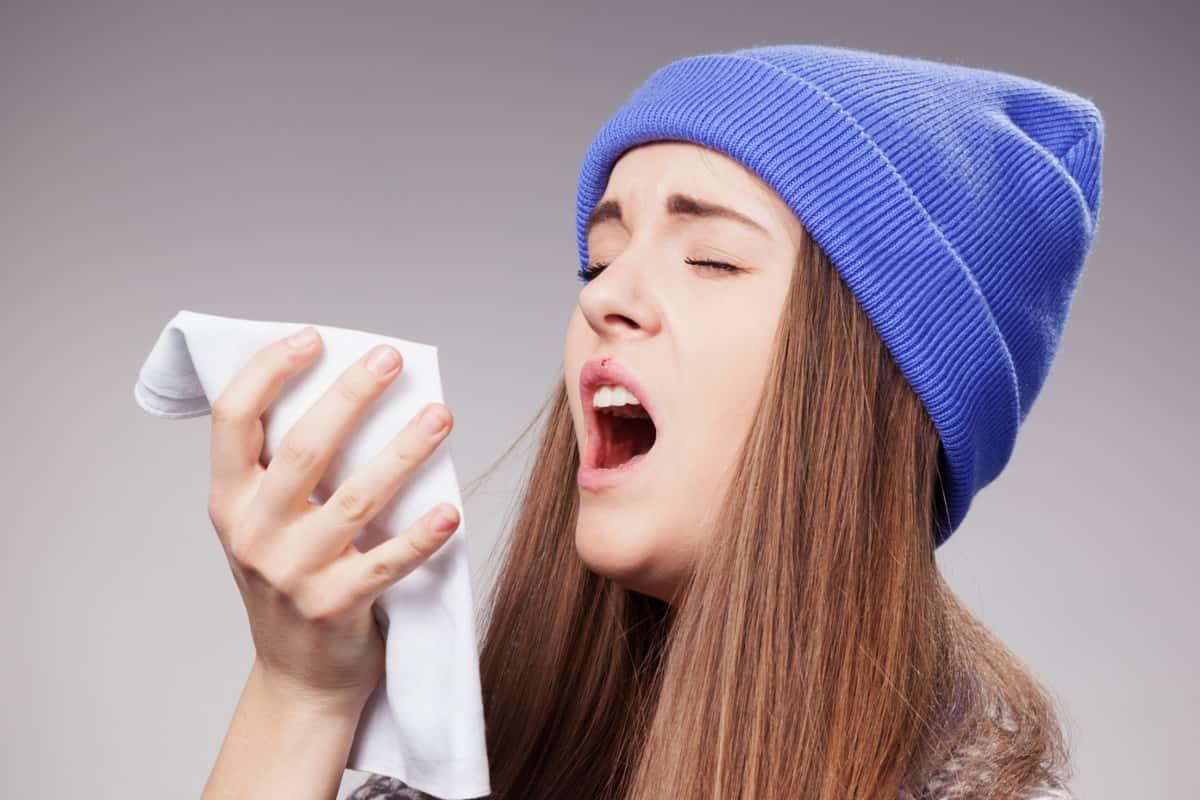 لماذا يعاني البعض من السعال دون تحسن؟
