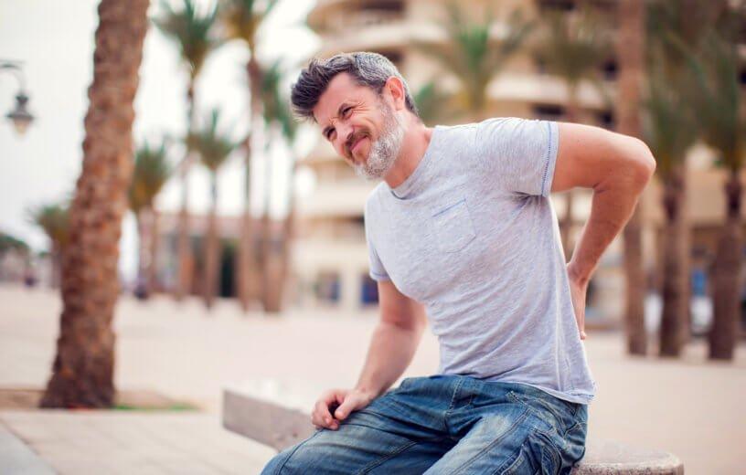 الشيخوخة في الـ40.. عندما يصاب الشباب بأعراض التقدم في العمر