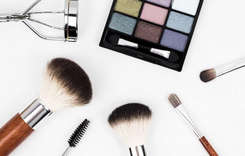 كيف تهدد مستحضرات التجميل صحة النساء؟