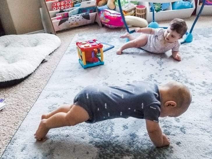 أطفال صغار لكن أقوياء