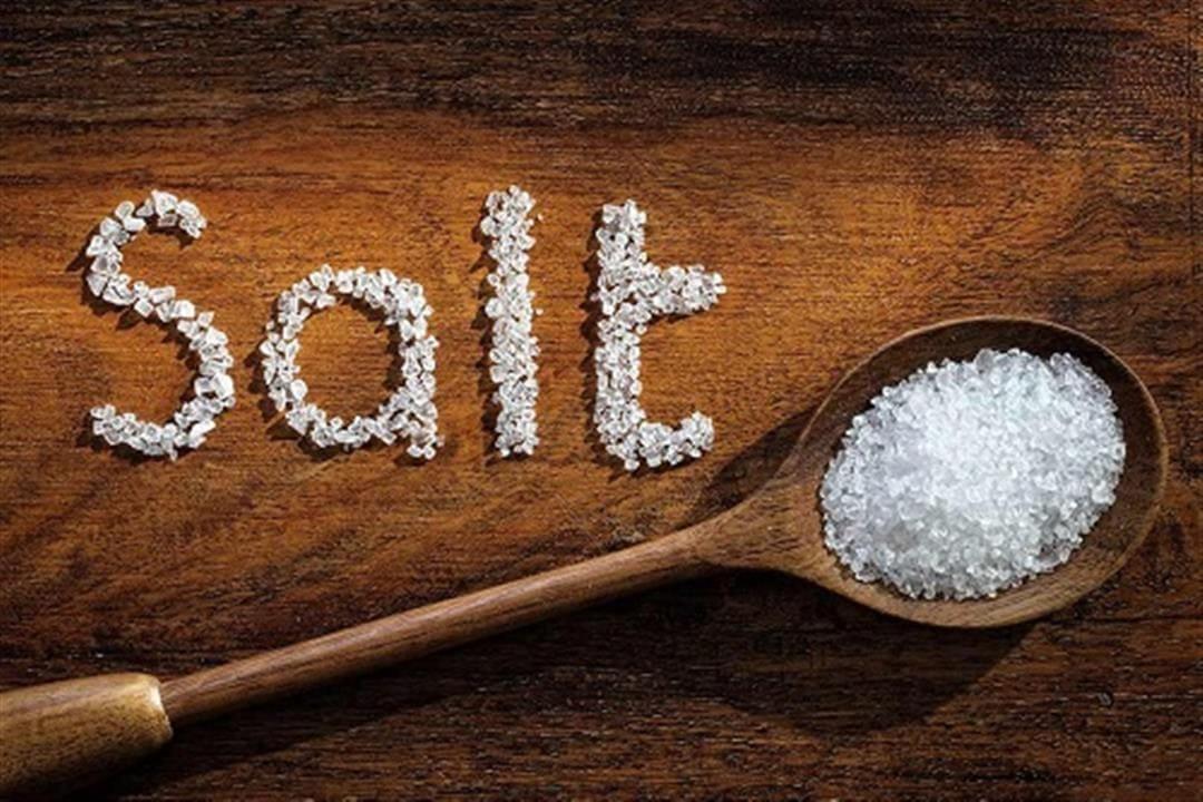 الرغبة في الملح.. أسباب خفية وبدائل صحية