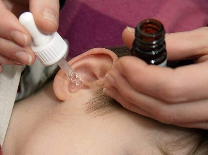 كيفية تنظيف الأذن